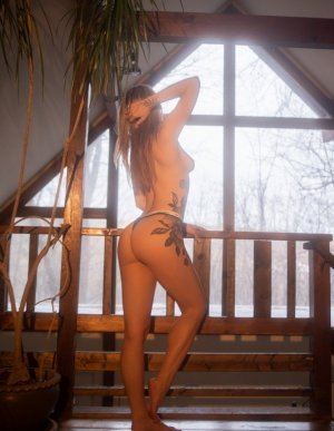 Cathlyne erotic massage & escort girls