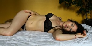 Iptissam happy ending massage in Bowie and escort