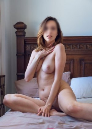 Ana-marie nuru massage in Hazelwood Missouri and call girls